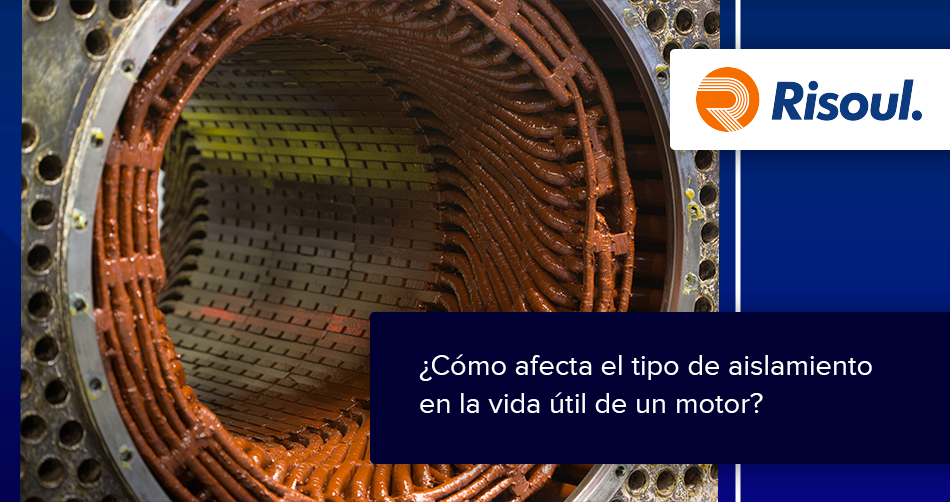 ¿Cómo afecta el tipo de aislamiento en la vida útil de un motor?